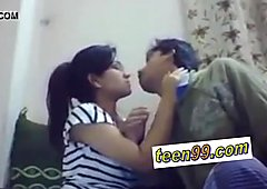Indian school studend kissing deeply to express love - www.teen99.com