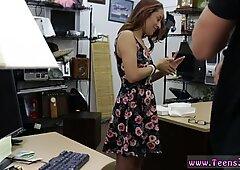 Tedesco amatoriale ragazza e tardona filmate su college studente fottuta in Mio pawn negozio!
