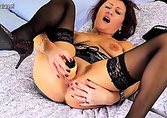 Amateur old mother dreaming of young cock