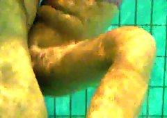 Underwaterblowjob in public pool