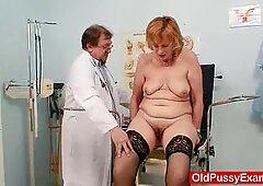Berambut merah gran pussy menganga di gyno klinik