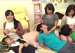 19-日本人母亲母乳喂养游戏节目-我的frofile中的linkfull