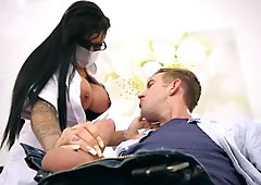 Brazzers - Dirty nurse Candy Sexton gets her tits sucked