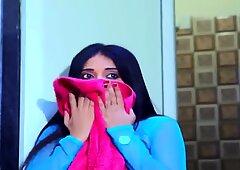 La ragazza più calda indiana dopo il bagno scopa con il suo fidanzato